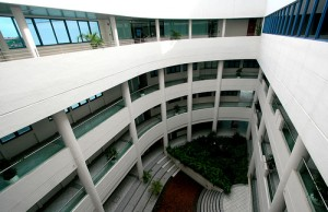 "Nanyang Technological University: <div xmlns:cc=""http://creativecommons.org/ns#"" about=""http://www.flickr.com/photos/sharif/438596741/""><a rel=""cc:attributionURL"" href="